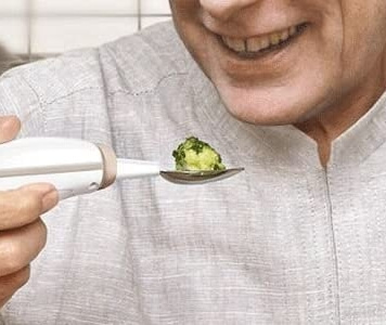 Self-Stabilzing Spoon for Elderly, Parkinson, Tremor