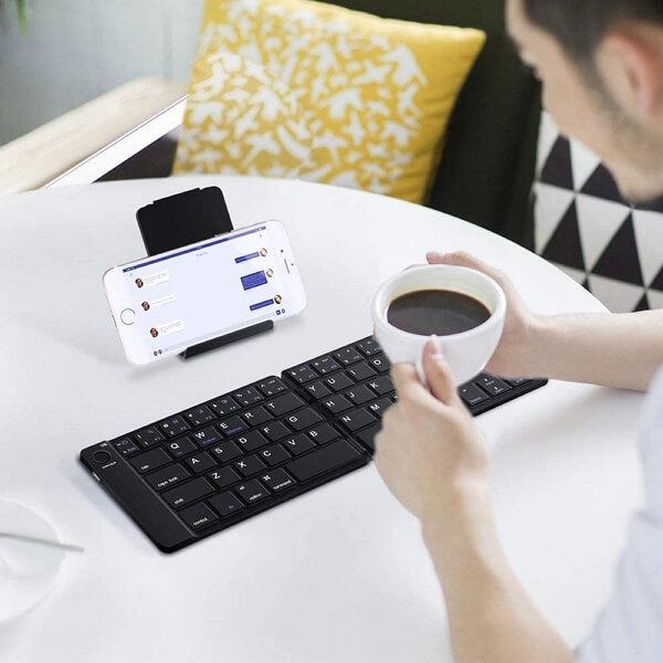 Pocket-Sized Foldable Keyboard