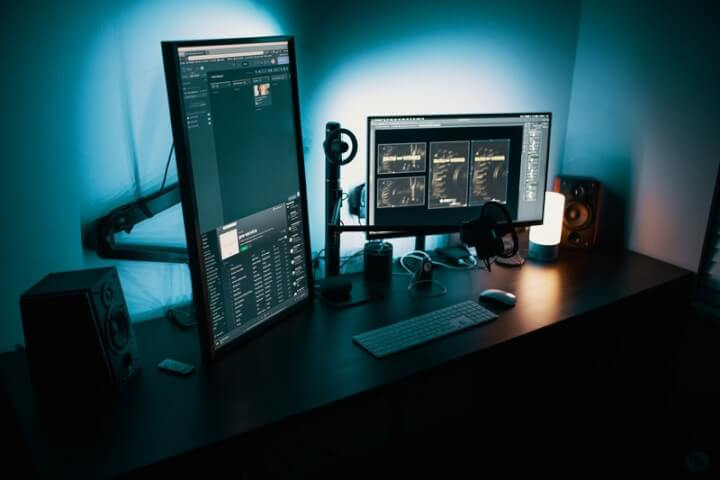 Multi Monitor Productivity